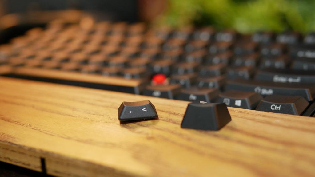 左がStingrayのキーキャップ 右が標準的なキーキャップ